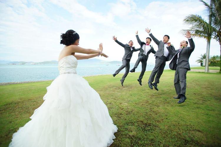 Strong-Bride-Funny-Wedding
